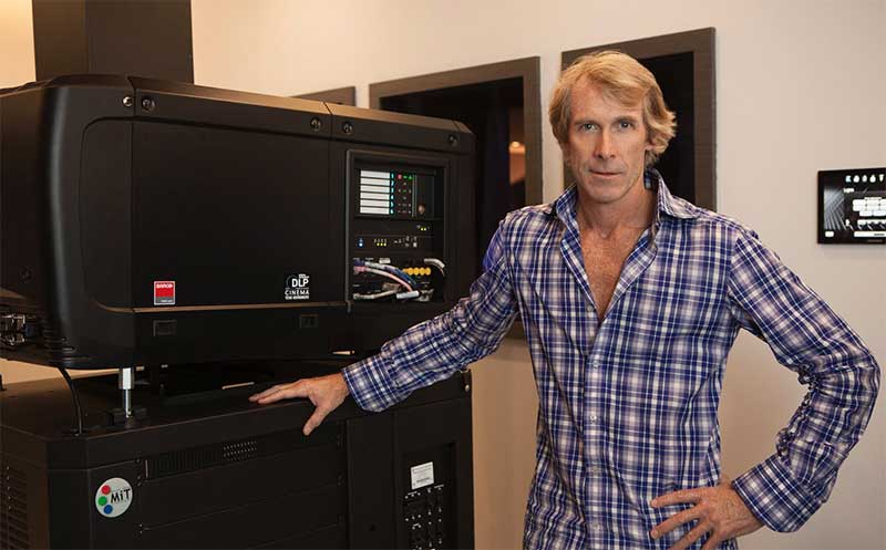 Micheal-Bay-Barco-cinema.jpg